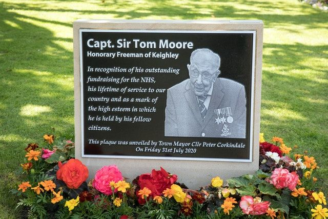 Captain_Sir_Tom_Moore_Plaque